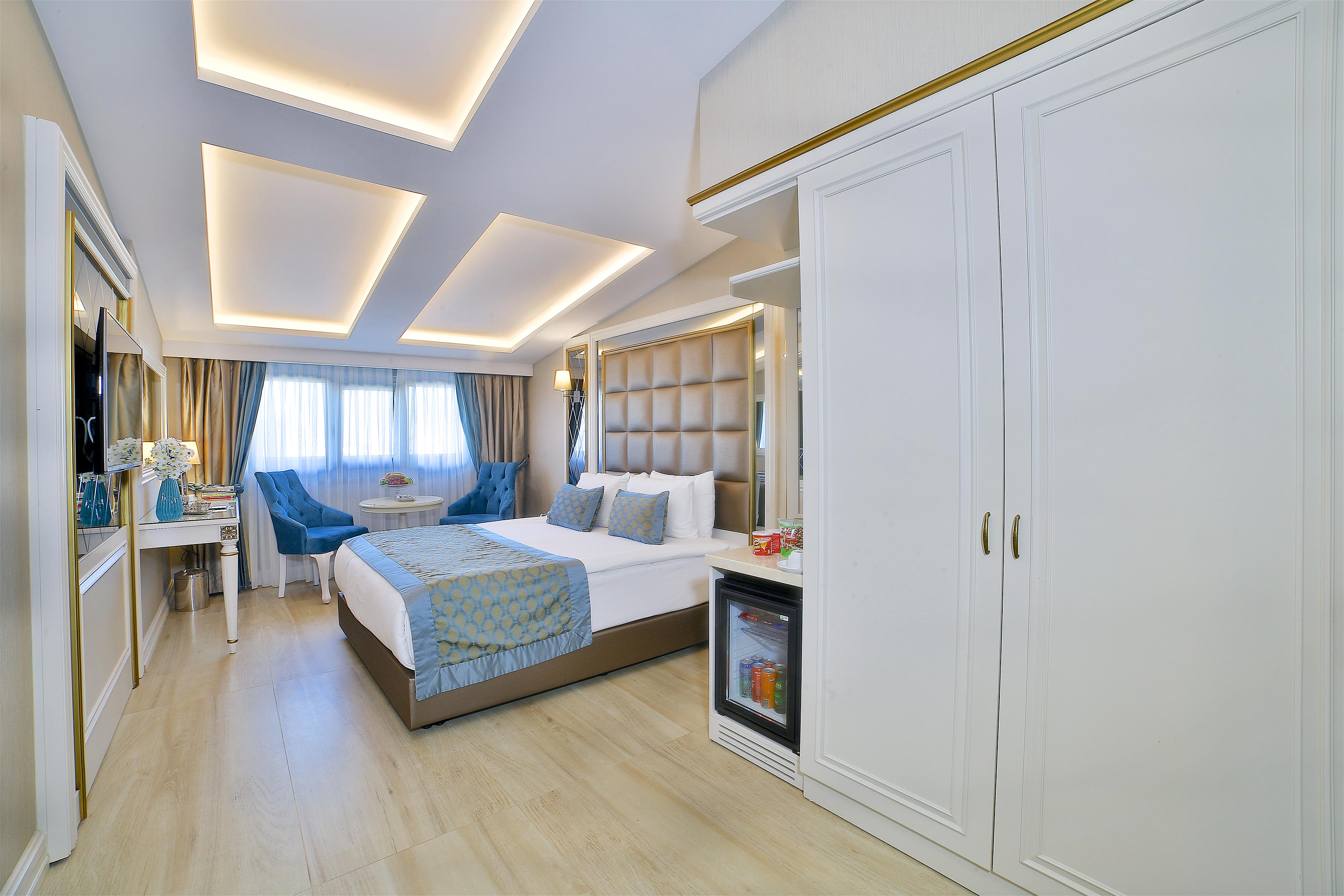 Buke Hotel - King Room with City View